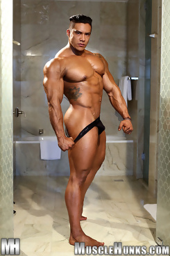 Wade Trent for Muscle Hunks